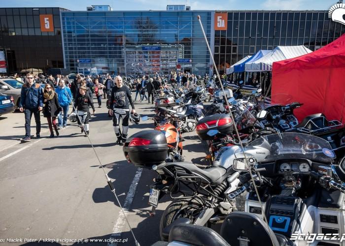 motocyklisci na motorshow