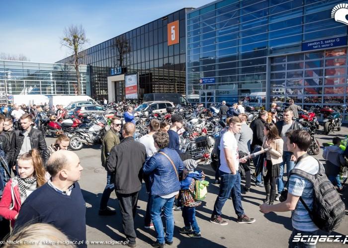 motocyklisci w poznaniu na motorshow