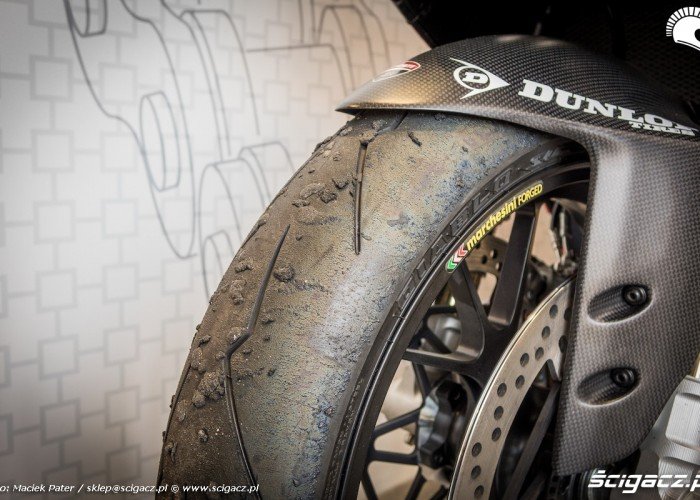 opona dunlop motor show 2016