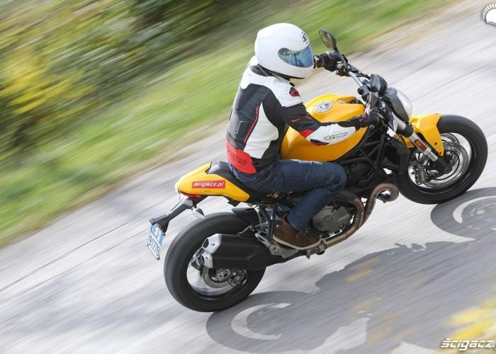Ducati Monster 821 2018 09