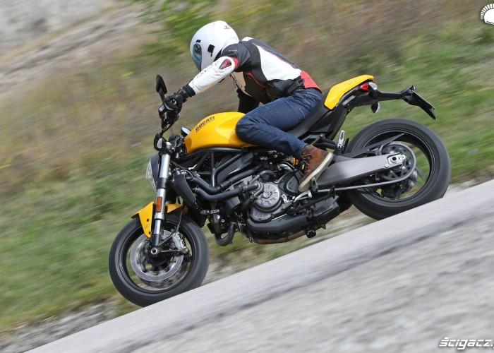 Ducati Monster 821 2018 13