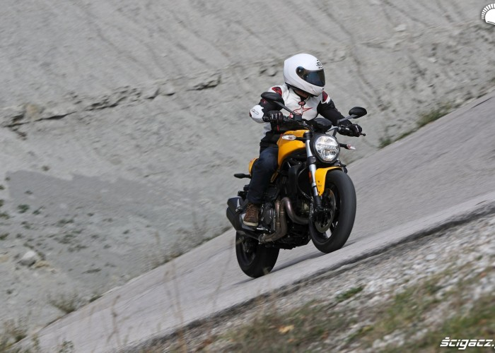 Ducati Monster 821 2018 14