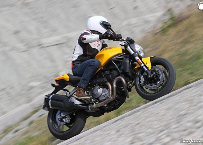 Ducati Monster 821 2018 15