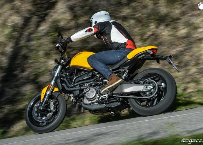 Ducati Monster 821 2018 24