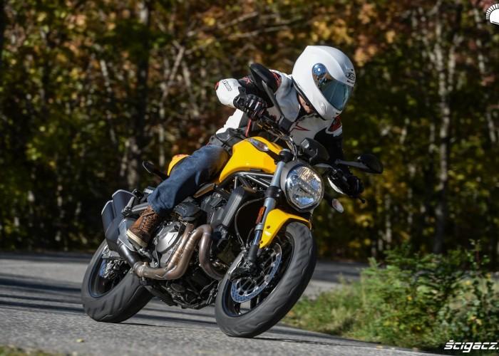 Ducati Monster 821 2018 25