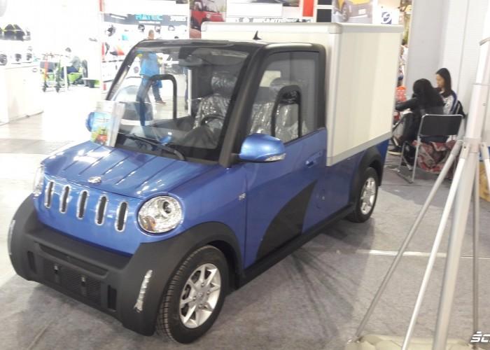 maly samochodzik na targach eicma