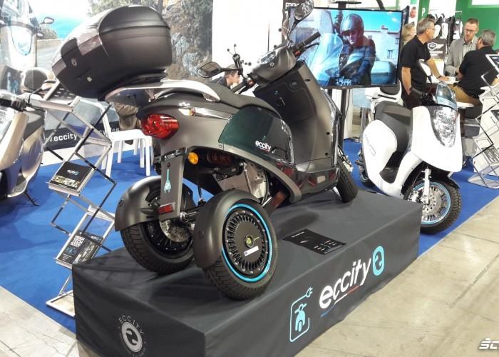 skuter na trzech kolach