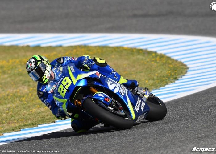 MotoGP Jerez Andrea Iannone 29 Suzuki wyscig 3