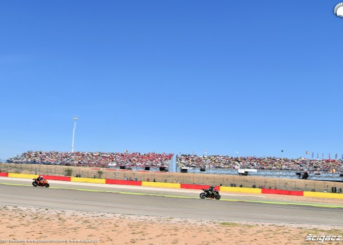 MotoGP Aragon Monster Tech3 Yamaha 5 Johann Zarco 25