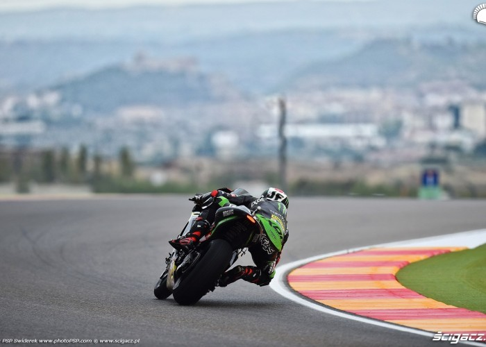 MotoGP Aragon Monster Tech3 Yamaha 94 Jonas Folger 16