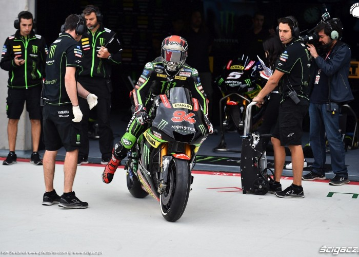 MotoGP Aragon Monster Tech3 Yamaha 94 Jonas Folger 4