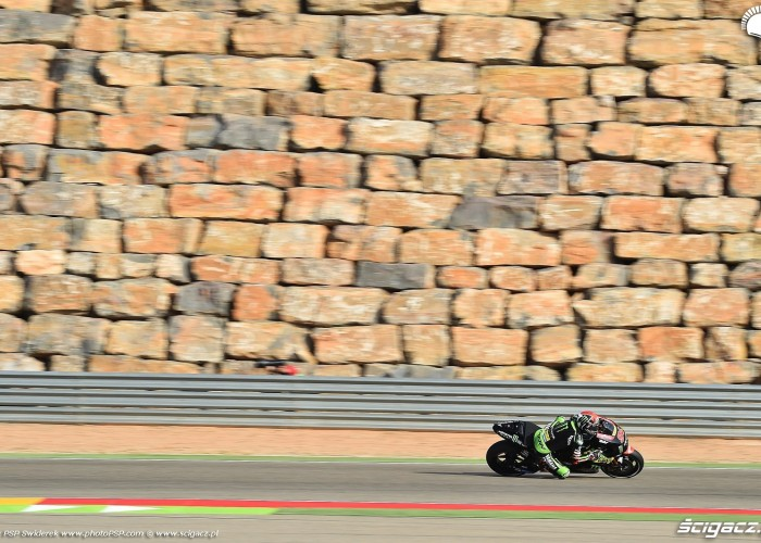 MotoGP Aragon Monster Tech3 Yamaha 94 Jonas Folger 5