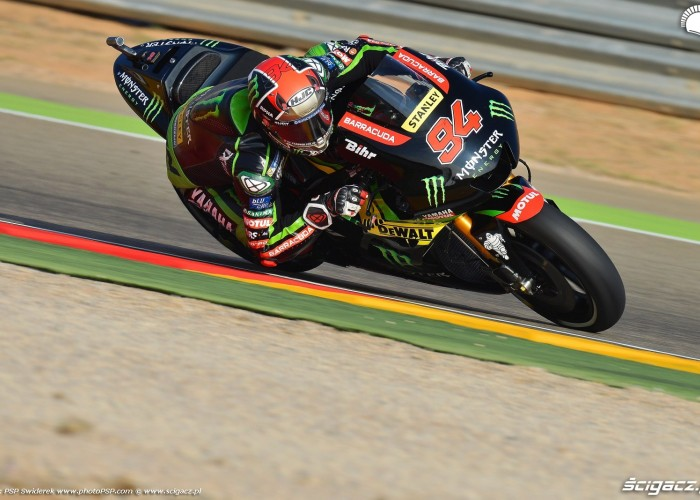 MotoGP Aragon Monster Tech3 Yamaha 94 Jonas Folger 6