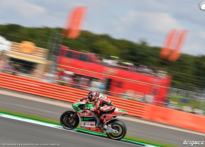 MotoGP Silverstone Aprilia 22 Sam Lowes 16