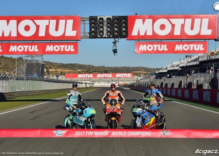 MotoGP 2017 Mistrzowie Swiata World Champion 3