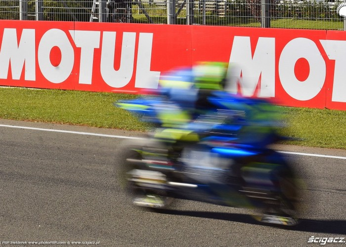 MotoGP Walencja 2017 29 Andrea Iannone Ecstar Suzuki 11