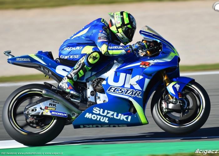 MotoGP Walencja 2017 29 Andrea Iannone Ecstar Suzuki 18