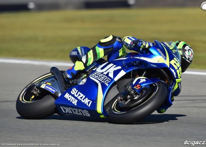 MotoGP Walencja 2017 29 Andrea Iannone Ecstar Suzuki 19