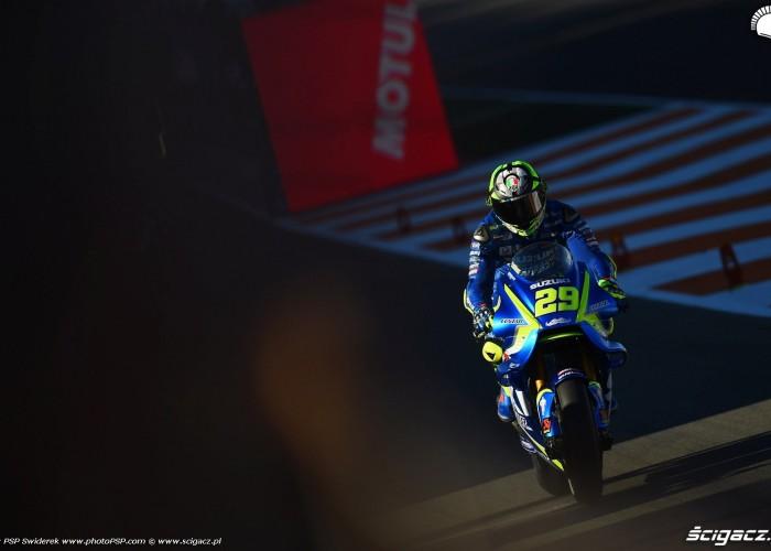 MotoGP Walencja 2017 29 Andrea Iannone Ecstar Suzuki 21