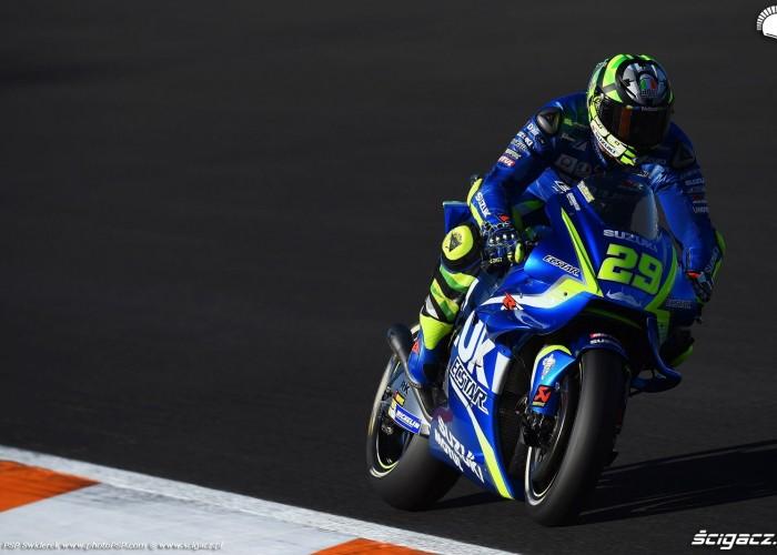 MotoGP Walencja 2017 29 Andrea Iannone Ecstar Suzuki 22
