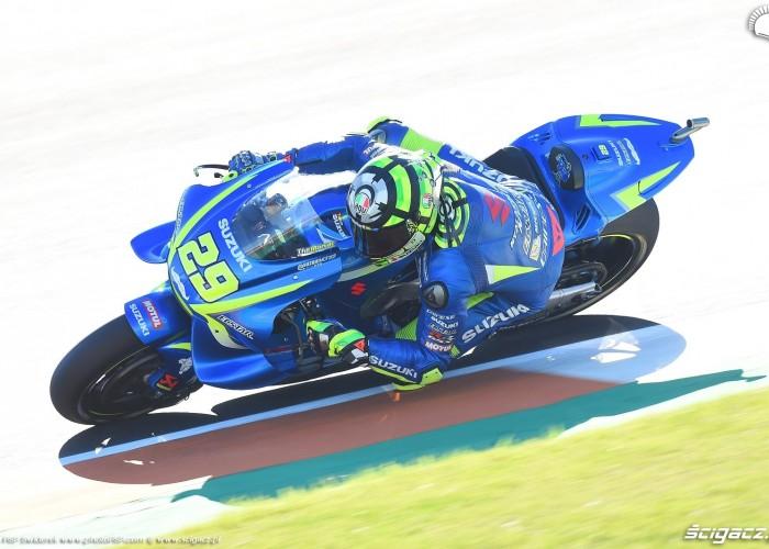 MotoGP Walencja 2017 29 Andrea Iannone Ecstar Suzuki 23