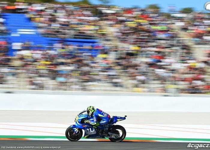 MotoGP Walencja 2017 29 Andrea Iannone Ecstar Suzuki 25
