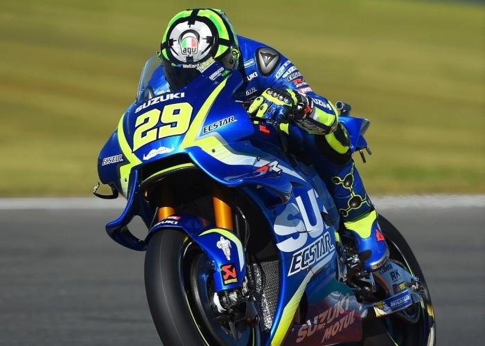 MotoGP Walencja 2017 29 Andrea Iannone Ecstar Suzuki 27