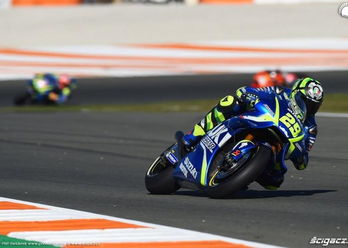MotoGP Walencja 2017 29 Andrea Iannone Ecstar Suzuki 35