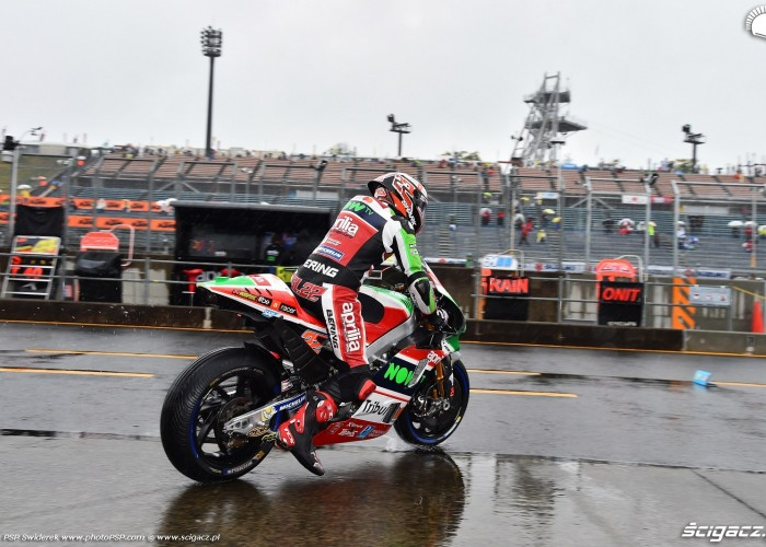 MotoGP Motegi Aprilia 22 Sam Lowes 4
