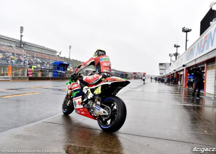 MotoGP Motegi Aprilia 41 Aleix Espargaro 17