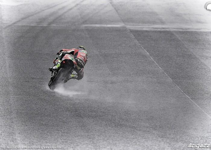 MotoGP Motegi Aprilia 41 Aleix Espargaro 19