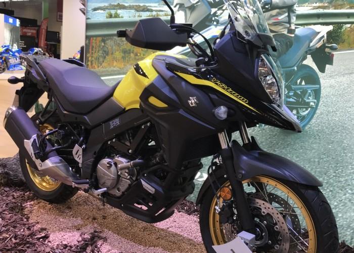 Suzuki na tagrach Intermot 2018 03