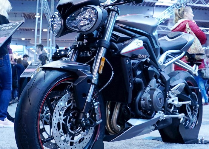 triumph street tripple rs poznan motor show 2018