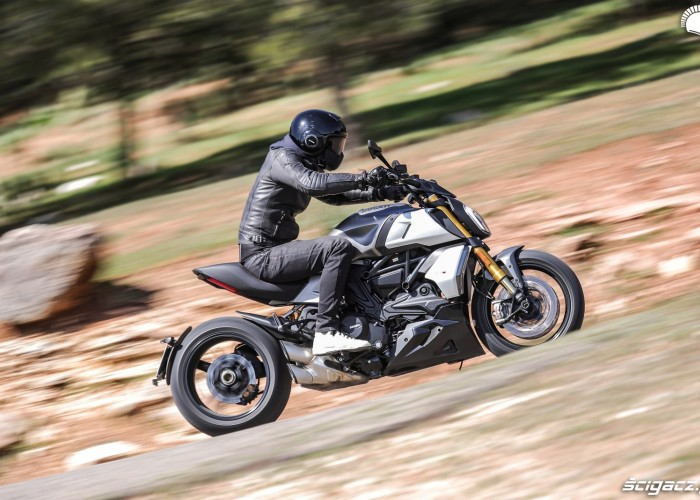 17 ducati diavel 1260 test