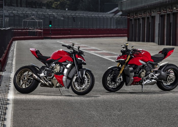 MY20 DUCATI STREETFIGHTER V4 S AMBIENCE 44 UC101679 Mid