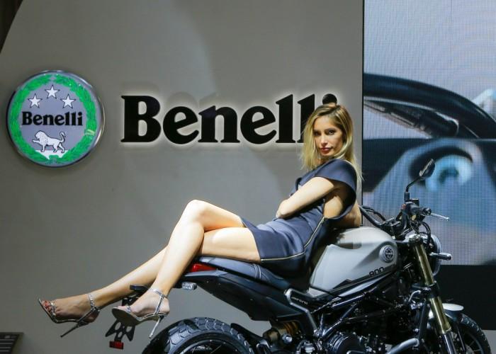 Benelli Leoncino800 nogi