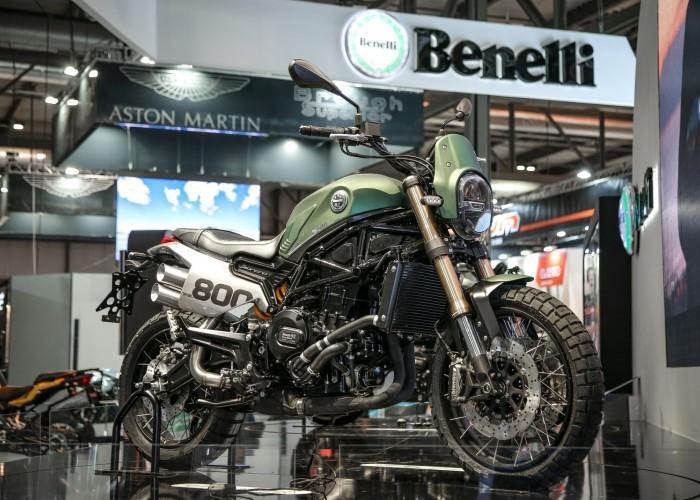 Benelli Leoncino800 prawy przod
