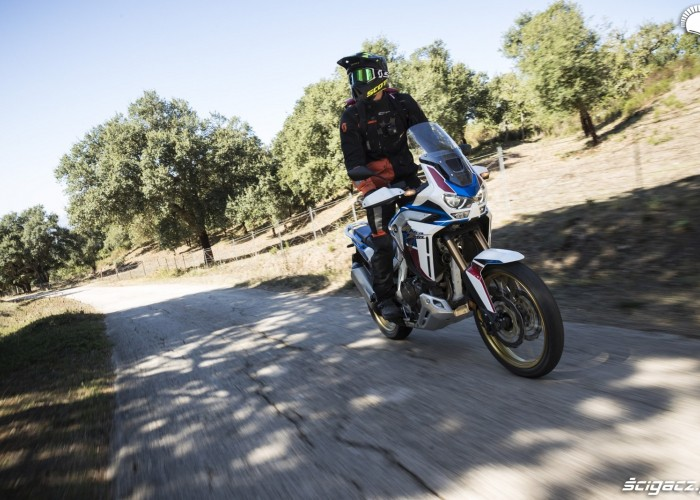 africa twin 1100 adventure sports na sycylii