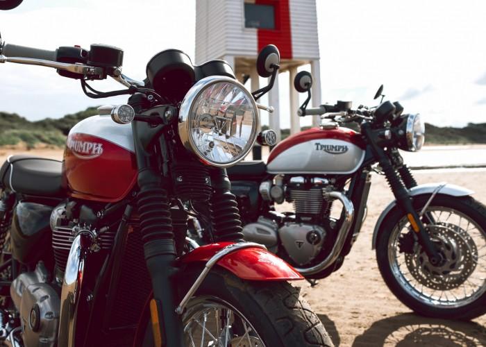 Triumph Bonneville Bud Ekins dwa motocykle