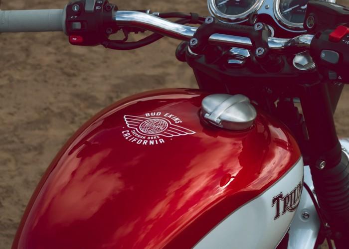 Triumph Bonneville Bud Ekins logo bak