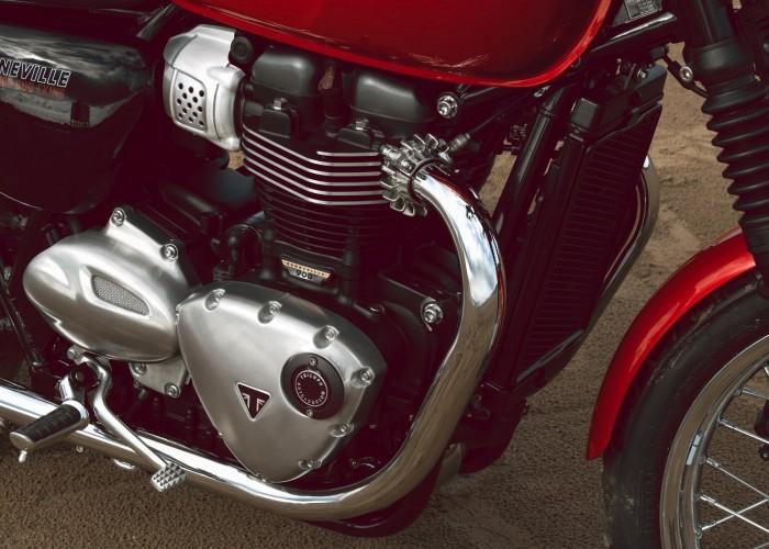 Triumph Bonneville Bud Ekins motor