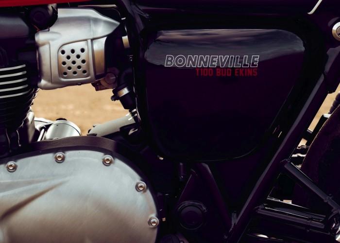 Triumph Bonneville Bud Ekins panel boczny