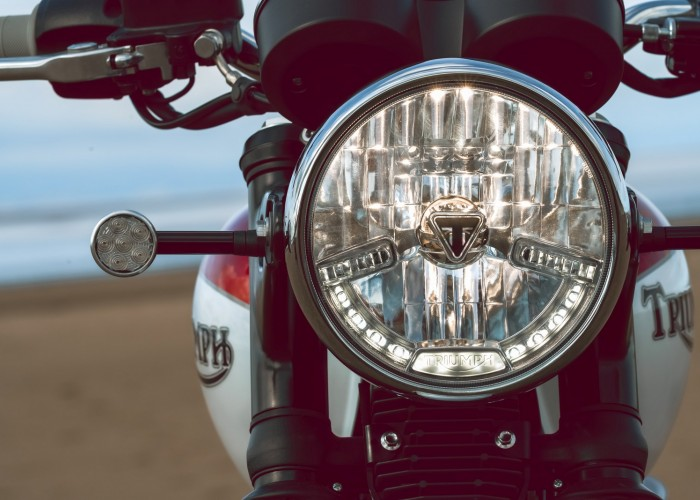 Triumph Bonneville Bud Ekins reflektor led
