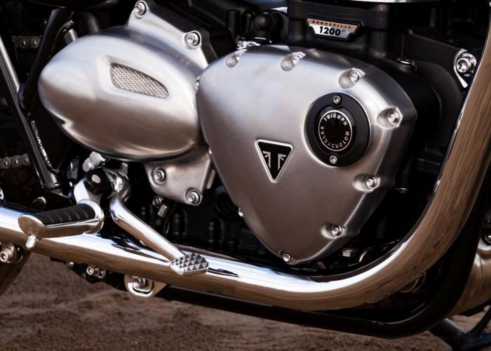Triumph Bonneville Bud Ekins silnik czarny znaczek