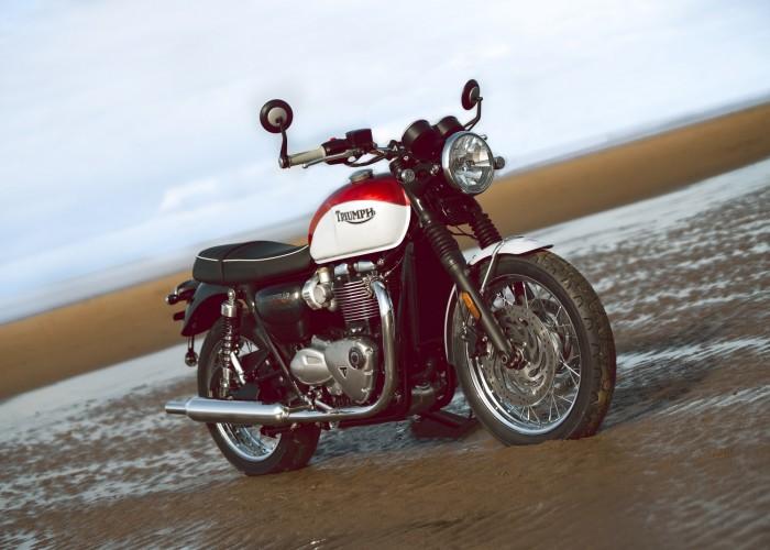 Triumph Bonneville Bud Ekins t120