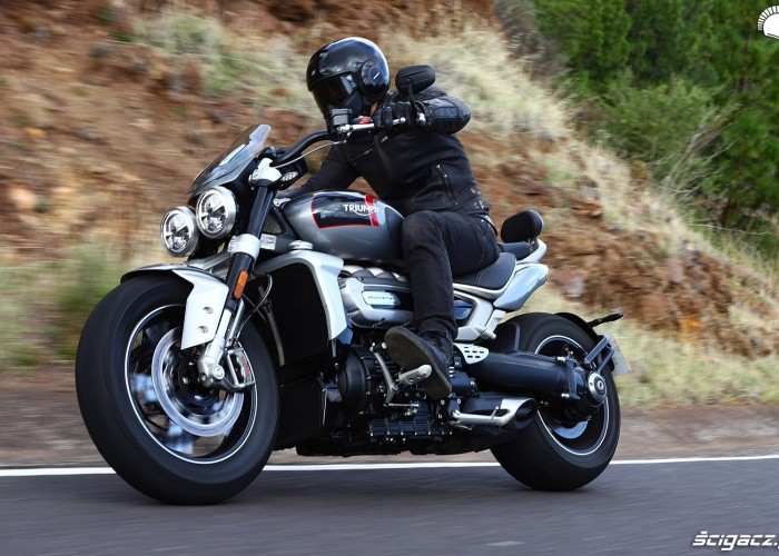 010 triumph rocket 3 test