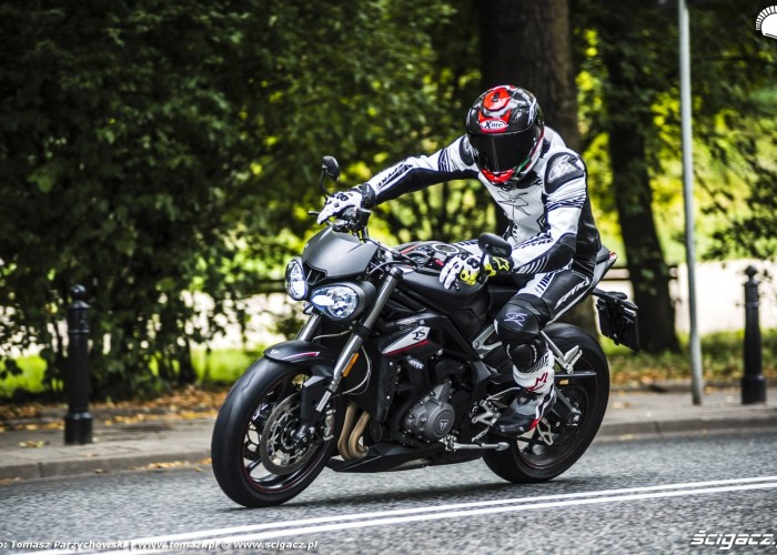 triumph street triple barry
