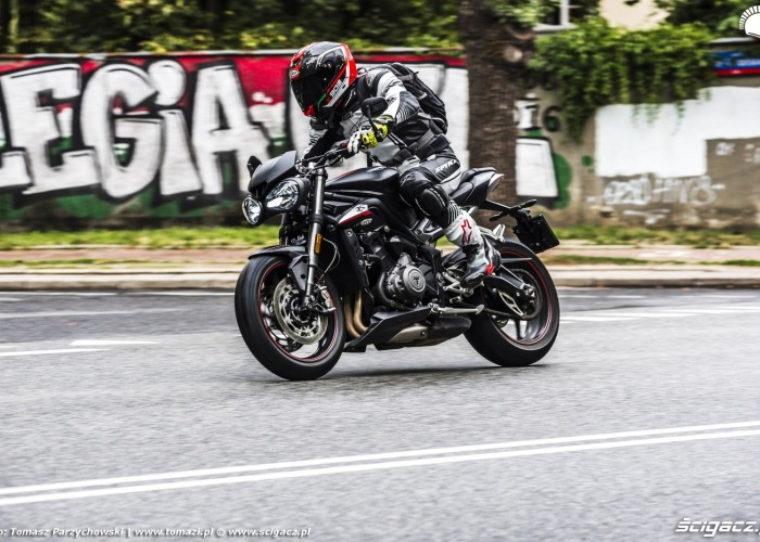 triumph street triple rs graffiti legia