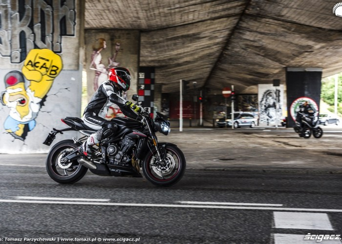 triumph street triple rs test