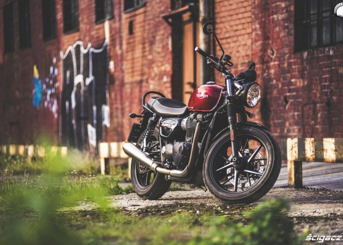 triumph street twin art